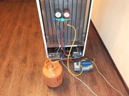Заправка фреоном R404a холодильника Атлант
