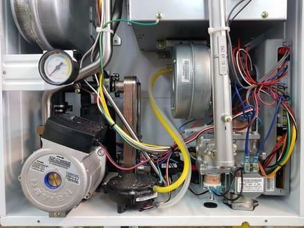 Подкачка давления котла и замена датчика протока воды